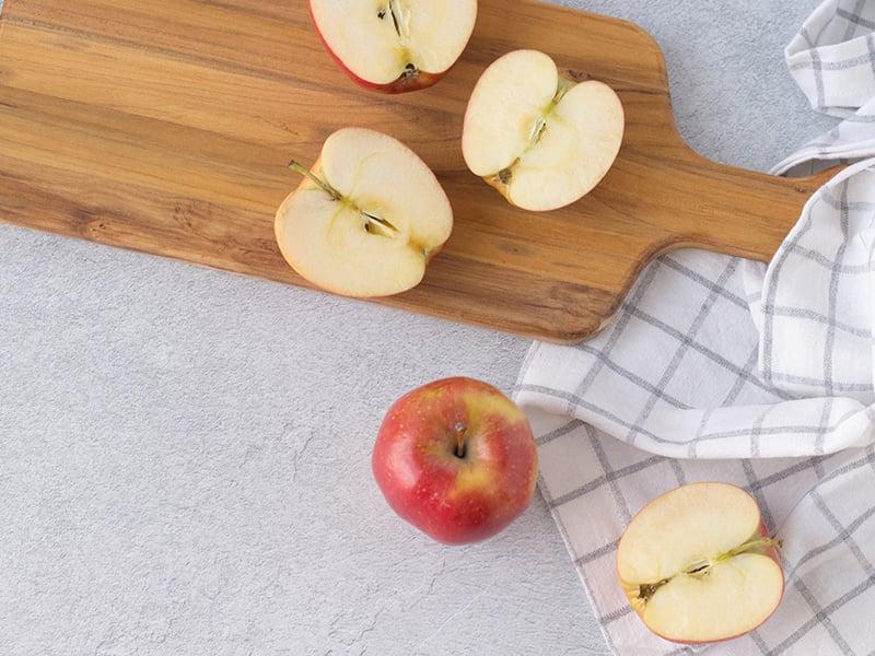 Apple crips in a mug-small